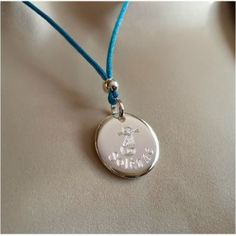 http://www.bijoux-meli-melow.com/boutique/1455-collier-medaille-chat-et-prenom.html#.VREbX8J0yUk