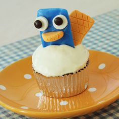 agent p cupcakes! haha @Stephanie Bowers we need to make these for Sai ... how much would he love these its a airhead !