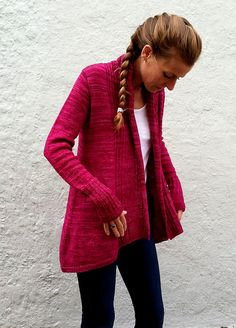 Ravelry: Isabel pattern by Amy Miller - would love this in a neutral colour And I'm knitting it in a deep, tonal navy. Love the lighter weight Plucky Knitter Sock.