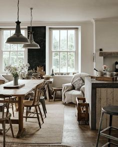 #inspiration #kitchen #kitchendesign #kitchendecor #interiordesign #interiorinspiration #interior #cozy #cozyliving #interieur #interieurinspiratie #homedecor #notmypic #rustic #kitchens #bonneappetit #enjoyyourmeal #smakelijketen