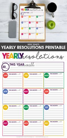 Make your New Year's Resolutions & Goals achievable with this free printable. Set yearly & monthly goals & start your hustle!