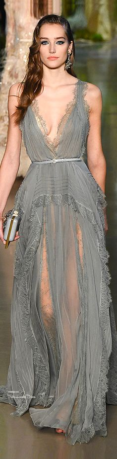 Elie Saab Spring 2015 Couture. Is this my model with perfect hair and make-up but not really good outfit?