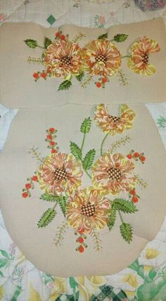 Ribbon Work, Ribbon Embroidery, Table Decorations, Bathroom, Knitting, Flowers, Mothers Day Crafts, Scrappy Quilts, Sink Tops