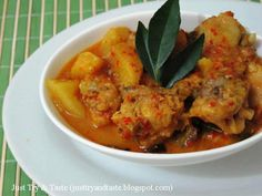 Indonesian Cuisine, Indonesian Recipes, Kari Ayam, Thai Red Curry, Chicken Recipes, Food And Drink, Dan, Dinner, Ethnic Recipes