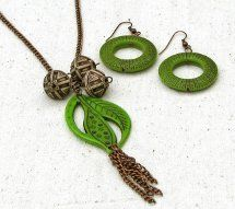 Easy Being Green Necklace & Earrings