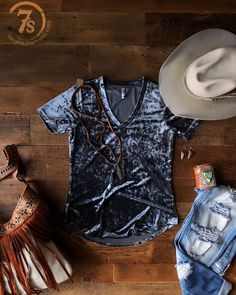 We're Amarillo bound this morning and I've got my Lonesome Dove hat and some crushed velvet in tow! These just might be our two favorite things of the season! Let me know if you will be at the WRCA World Championship Ranch Rodeo this weekend  I would love to meet your pretty faces!  Ryley {sorry no booth just there for a lil fun} #wrca #ranchrodeo #amarillobymorning #savannah7s