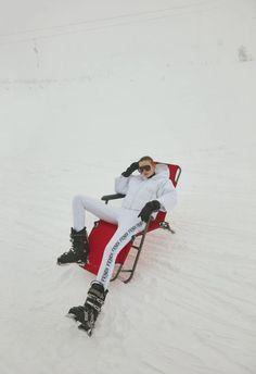 Firat Meric for ELLE Turkey January 2019 with Eva Klimkova - apres ski - Des Snow Fashion, Fashion Shoot, Editorial Fashion, Winter Fashion, Sporty Fashion, Fashion Women, Daily Fashion, Street Fashion, Women's Fashion