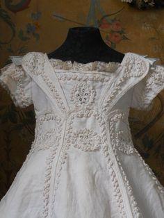 ~~~ Fantastic French BeBe Pique Dress with Bonnet ~~~