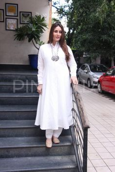 Fashion Faceoff: Kareena Kapoor Khan or Katrina Kaif who wore head to toe desi white better? | PINKVILLA