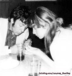 ...+:+[i]Como+la+popularidad+de+McCartney+crecía,+éste+le+exigía+a+Jane+que+abandonara+su+carrera,+a+lo+cual+ella+siempre+se+negó.+Pero+a+pesar+de+estos+inconvenientes,+Jane+y+Paul+pronto+se+mudaron+de+su+hogar+en+Wimpole+Street+allá+en+el+año+1966+para+el+Nro.+7+de+la+Cavendish+Avenue,+situada+en+la+exclusiva+St.+John's+Wood+en+Londres.+La+casa+era+de+la+era+victoriana,+de+tres+pisos+y+con+muchas+salidas+al+jardín.+Asher+decoró+la+cas