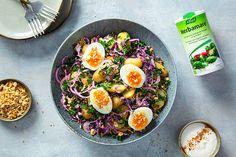 Knapperige koolsalade met kruidige hazelnoten #Avogelrecepten