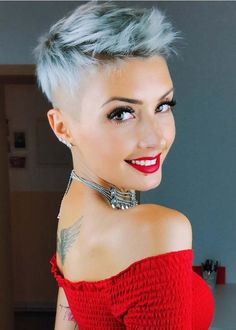 Trendy ideas of short blonde pixie hairstyles for every woman who is looking to wear absolutely perfect short haircuts for 2018. Just see here and wear how to choose best pixie haircuts for trendy and cute hair look.
