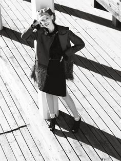 Frida About Town – Frida Gustavsson stars in a story of forties fashion for the November issue of Elle Sweden lensed by Andreas Öhlund. Wearing the pristine frocks of Miu Miu, Dolce & Gabbana, Marc Jacobs and others styled by fashion editor Linda Lindqwister, Frida spends a day of carefree exploration with retro curls by Erika Svedjevik and autumn makeup by Katarina Håkansson.