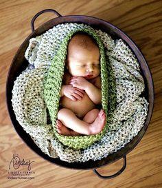 Newborn Cocoon Bowl in Sweet Pea Cute Photography, Children Photography, Newborn Photography, Cute Kids, Cute Babies, Baby Kids, Baby Cocoon, Bernardo, Cute Baby Pictures
