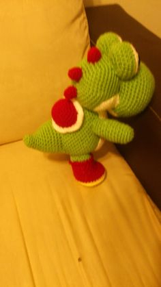 Nintendo Yoshi Amigurumi - Patrón Gratis en Español http://novedadesjenpoali.blogspot.com.es/2014/05/patron-yoshi.html?m=1
