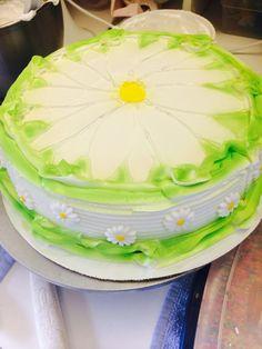 ice cream cake DQ daisy cake