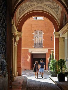 Explorez les cours des hôtels particuliers toulousains © D. Viet #visiteztoulouse #toulouse #prochain voyage
