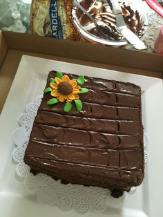 Brownie cake girasol   Postrería