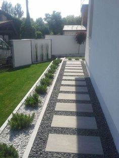 Side yard landscaping - 53 backyard privacy fence landscaping ideas on a budget 8 Privacy Fence Landscaping, Backyard Privacy, Small Backyard Landscaping, Modern Landscaping, Modern Backyard, Simple Backyard Ideas, Diy Landscaping Ideas, Backyard Play, Landscaping Around House