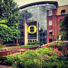 University of Oregon..Eugene Oregon. 1585 E. 13th Avenue~known to have the best Sustainable Architecture degrees in the world! (and where I am heading!) #businessuniveristy