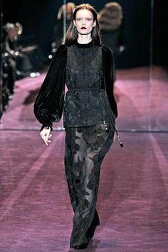 Bishop Sleeve: Gucci Fall 2010 Ready-To-Wear. Gucci recreates the edwardian bishop sleeve, which is a long sleeve that is wider at the bottom than at the top and gathered into a cuff. Runway Fashion, Fashion Show, Womens Fashion, Fairytale Fashion, Beautiful Outfits, Beautiful Things, Beautiful Clothes, Review Fashion, Pretty Dresses