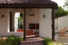 This historic adobe house in Southern California was transformed and extended into a modern adobe courtyard house by Dutton Architects. Outdoor Rooms, Outdoor Living, Outdoor Decor, Outdoor Lounge, Outdoor Life, Adobe Haus, Clay Roof Tiles, Stucco Homes, Courtyard House