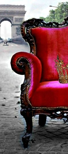 Modern fairytale / The Red Queen / karen cox.I left my crown in Paris Boho Chic, Shabby Chic, My Little Paris, French Chairs, I Love Paris, All I Ever Wanted, Oui Oui, Pink Velvet, Velvet Room