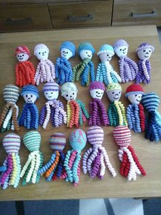 Deze inktvisjes zijn gemaakt door Willy Hoogland