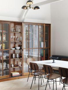 A sala de jantar tem se tornado um lugarcada vez mais raro em casa, devido…