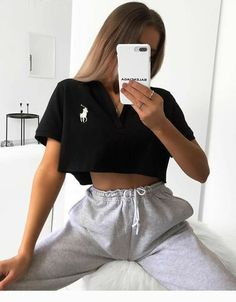 Cute Highschool Outfits, Cute Lazy Outfits, Sporty Outfits, Teen Fashion Outfits, Retro Outfits, Stylish Outfits, Girl Outfits, Sporty Fashion, Sporty Chic