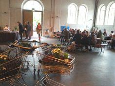 """""""Des einen Müll ist des anderen Schatz""""  – nichts trifft den Geist der Fair-Cycle-Messe besser. Die erste Messe für fairen Konsum und nachhaltiges Design in München demonstrierte vom 17. bis 18. Mai 2014, wie ausrangierten Gegenständen und weggeworfenen Verpackungen neues Leben eingehaucht werden kann."""
