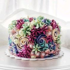 Floral Cake Design birthday cake 15 Beautiful Cake Designs that Are Out of This World Wilton Cakes, Cupcake Cakes, Smash Cakes, Fondant Cakes, Beautiful Cake Designs, Beautiful Cakes, Pretty Cakes, Cute Cakes, Sprinkles