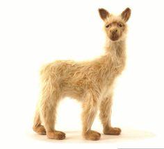 Hansa 3583 Llama Lady
