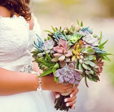 Succulents are great for weddings. Not only bouquets but also as centerpieces  ...   http://merrybrides.tumblr.com/post/33235012830/a-succulent-wedding