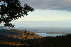 Lake jocassee in sc | 10 Things You Didn't Know about South Carolina