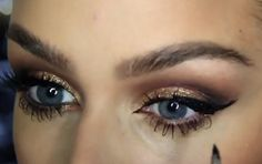 In this helpful tutorial Carli Bybel shows how to get her two favorite makeup looks for fall. I think I want to try both looks but the second one is definitely my favorite! http://karasglamourblog.blogspot.com/2013/09/two-gorgeous-fall-makeup-looks-light-to.html