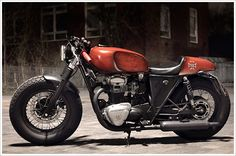 The base bike for this is a Kawasaki W650, believe it or not. It was customized in Germany by Lars Justinger, who kept the frame integrity of the bike while adding some beefier wheels and a flared up rear section (built from an XS650SE fuel tank). Most impressively, it's completely street-legal!