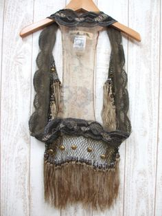 Hmmmmm. A fancy scarf sewn into a circle. Add sheer, netting, fringe, studs. Great looking item and light enough for daytime use. Burning Man Fashion, Burning Man Outfits, Festival Outfits, Festival Fashion, Burning Man 2015, Warrior Costume, Cosplay Diy, Tribal Fusion, Rave Outfits