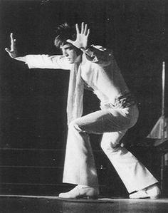 Elvis - Tiger Man In Tampa - Tampa,FL. September 1970 evening show - Elvis Presley Lyrics, Elvis Presley Photos, Elvis Sings, Johnny B Goode, Elvis Collectors, Elvis In Concert, You're Hot, Online Music Stores, Thats The Way