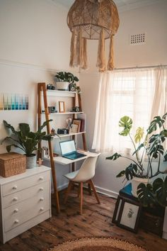 Home Office - como adaptar seu espaço a nova realidade Home Design, Interior Design, Design Design, Flat Interior, Design Ideas, Flat Design, Room Ideas Bedroom, Bedroom Small, Small Apartment Bedrooms