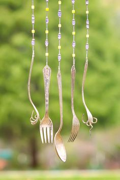 windchime+made+from+antique+dish+curled+antique+door+superflystuff