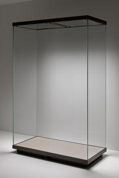 Sistema di vetrine espositive Museofab per allestimenti museali. Modulo 140 x 70 x 210 cm