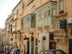 "I caratteristici ""gallariji"". ◆Malta - Wikipedia http://it.wikipedia.org/wiki/Malta #Malta"