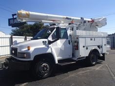 Altec L37M Insulated Material Handling Aerial Device #buckettruck #materialhandler #forsale #altecnueco #altecL37