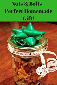 Homemade Nuts and Bolts Recipe – A Great Homemade Christmas Gift via @merry120