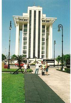 #TorrePemex, uno de los símbolos de #Veracruz, ciudad portuaria de #Mexico.