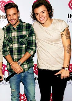 Liam's wearing plaid  again !!!! This guys are hot