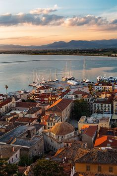 Nafplio, Old Town, Peloponnese, Greece Beautiful Islands, Beautiful World, Beautiful Places, Santorini, Oh The Places You'll Go, Places To Visit, Greece Today, Places In Greece, Voyage Europe