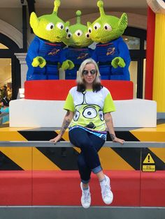 What Leslie Kay Wore to Tokyo Disneyland, Hong Kong Disneyland & Shanghai Disneyland | Pixar + Toy Story style for your next trip to the Disney Parks | [ http://di.sn/60048Dmg8 ]