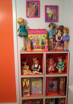 LOVE these dolls and the way they are displayed!